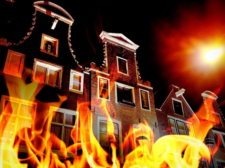 Read more about the article Amsterdam on fire!